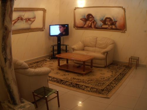 Appartement meubl climatis louer yaound petites for Appartement meuble a yaounde cameroun