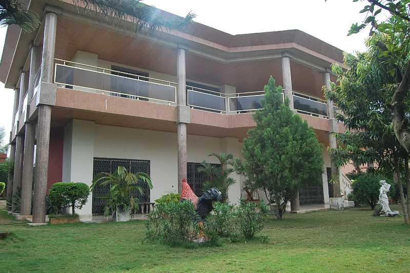 Location duplex 10 pieces piscine cocody riviera 3 for Abidjan location maison