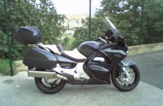 vente de motos scooters, boosters, routières, cross