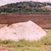 terrain avec maison en construction