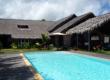 villa de standign avec piscine, arboré, pieds dans l'eau, jolie plage, bien sécurisée