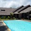 villa de standign avec piscine, arboré, pieds dans l'eau, superbe plage, bien sécurisée