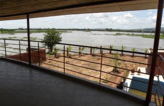 Offre location d´une villa au bord du fleuve a Kalaban Coro