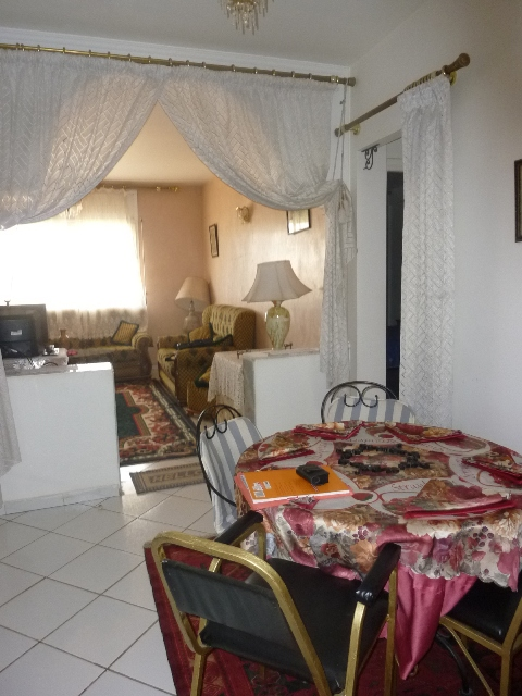 Locations meubles d appts chics sur rte imouzer a fes for Meubles ethniques chics