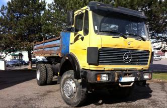 camion benne Mercedes 1922 4×4