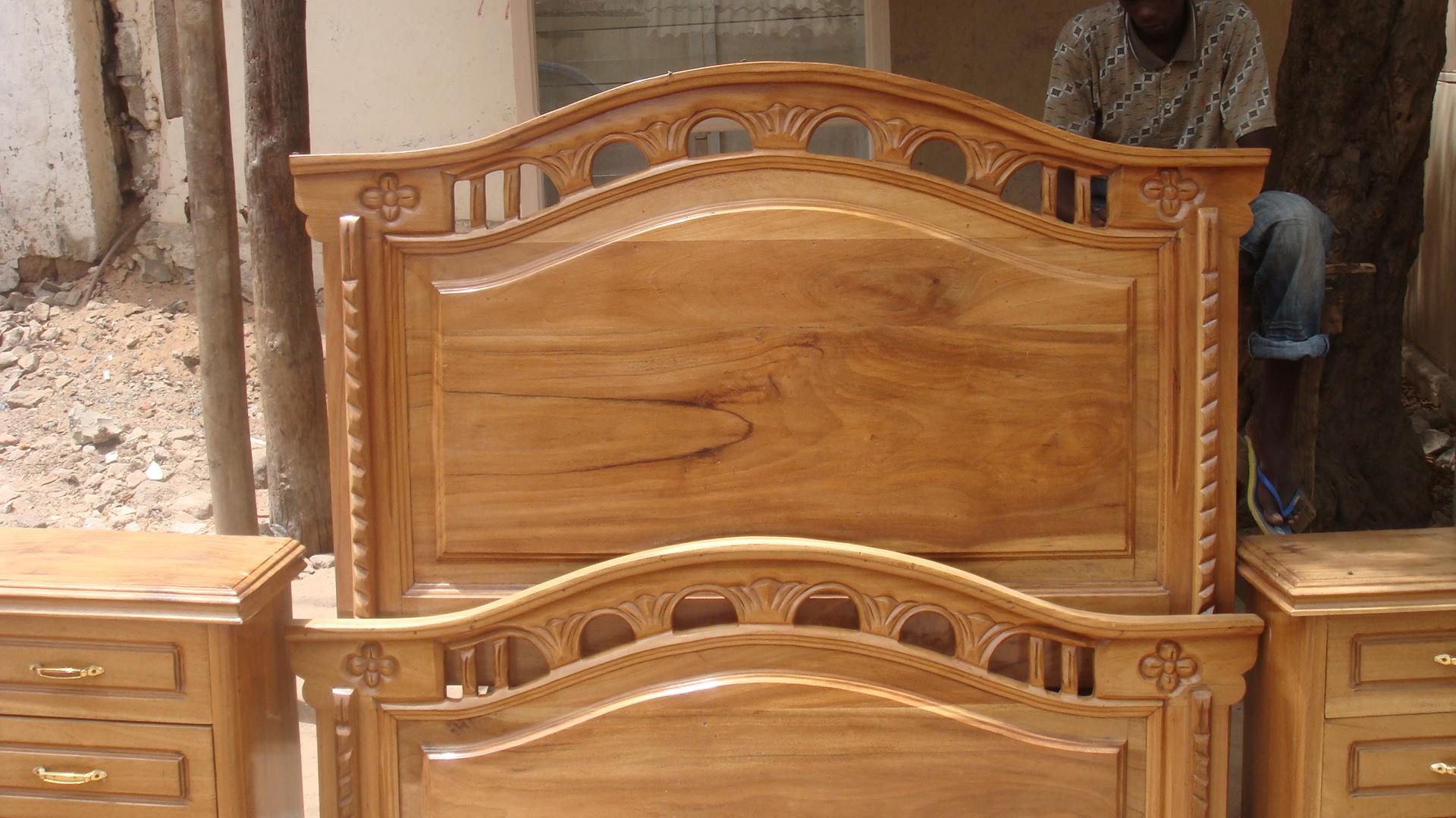 une double lit a vendre a neuf petites annonces gratuites au s n gal. Black Bedroom Furniture Sets. Home Design Ideas