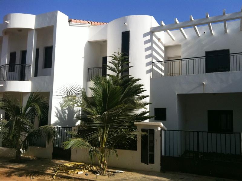 Villas vendre la cit isra hann marinas petites for Achat maison senegal