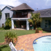 Spacious house/heated pool Randburg bromhof