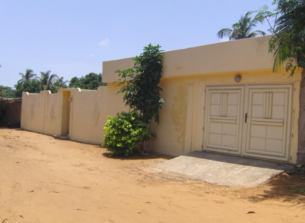 Villa meublee a louer a agbata petites annonces gratuites au togo for Site de villa a louer