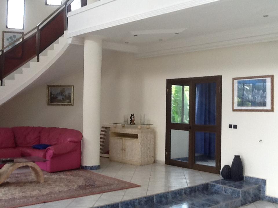 duplex meubl petites annonces gratuites au togo. Black Bedroom Furniture Sets. Home Design Ideas